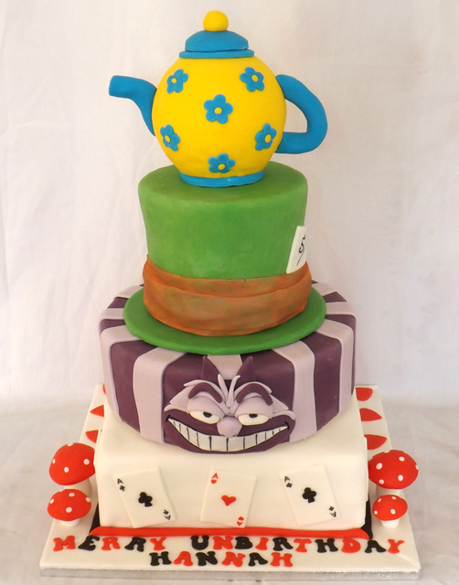 Outlandishly decorated cakes: your designs