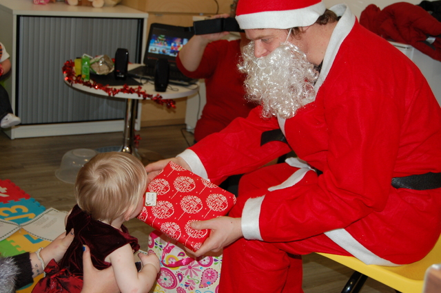 Santa drops in to the NSPCC in Glasgow