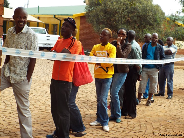 Voters Queuing Up