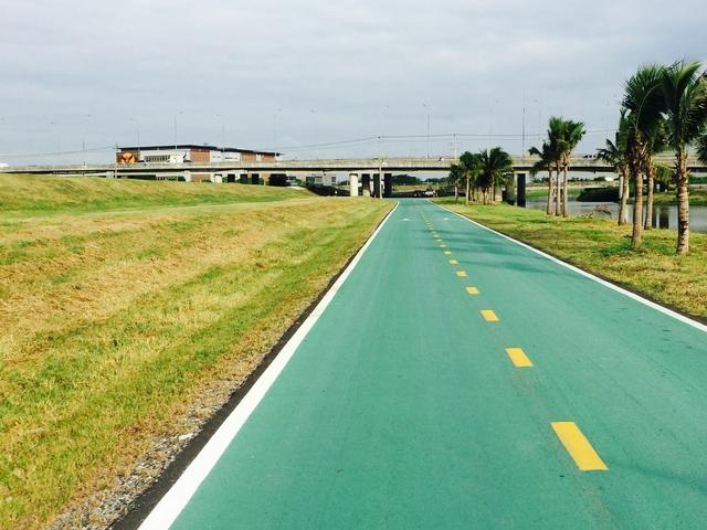 Bangkok Airport 23.5km Cycle Track around the Airport Perimeter