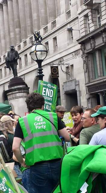 Caroline Lucas meets Green campaigners