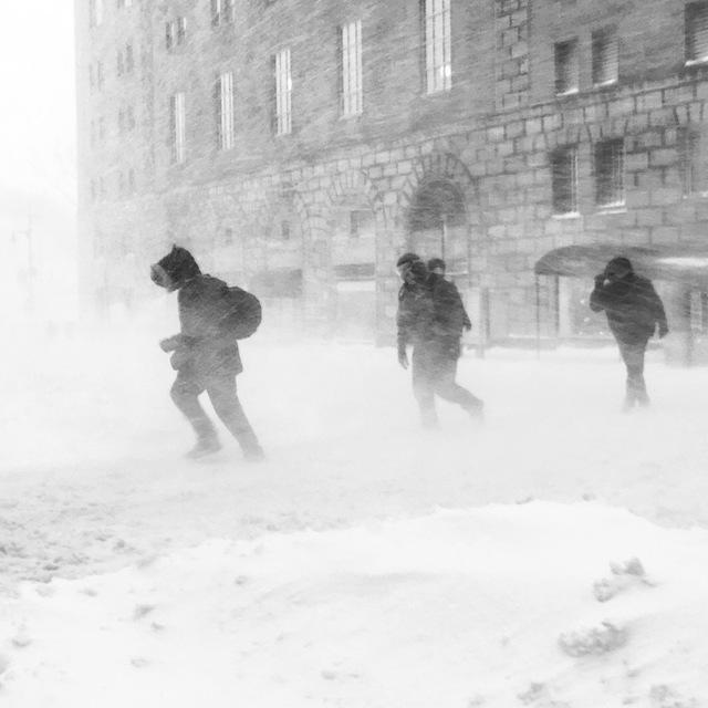 Blizzard conditions in midtown Manhattan