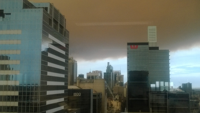 Smoke from NSW fires reaches Sydney CBD