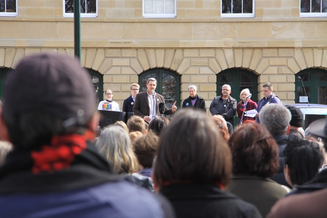 Rodney Croome addressing the Tasmanian United for Marriage Equality.